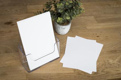 présentoir plv : distributeur de documents en plexiglas