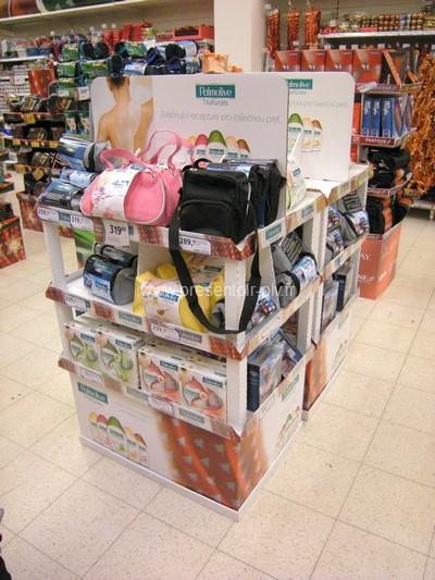 présentoir magasin - présentoir publicitaire en GMS avec fronton